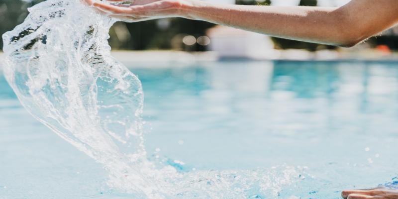 سی دقیقه شنا کردن