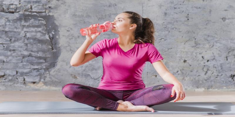 قبل، در حین و بعد از ورزش آب بنوشید