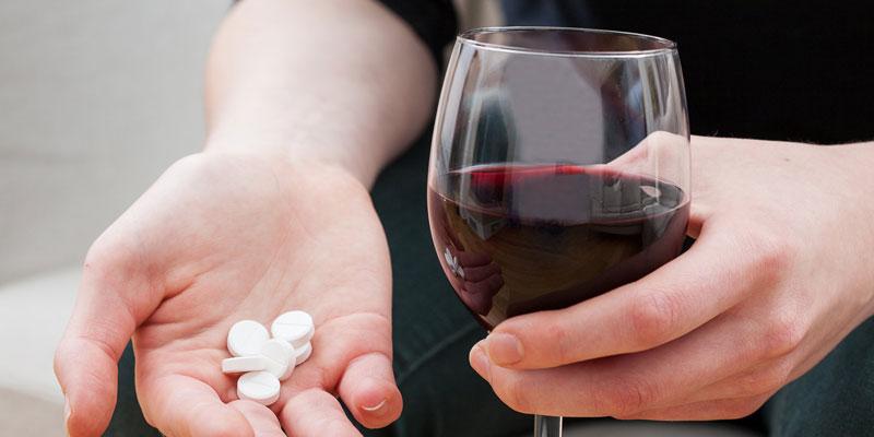 مصرف قرص با الکل