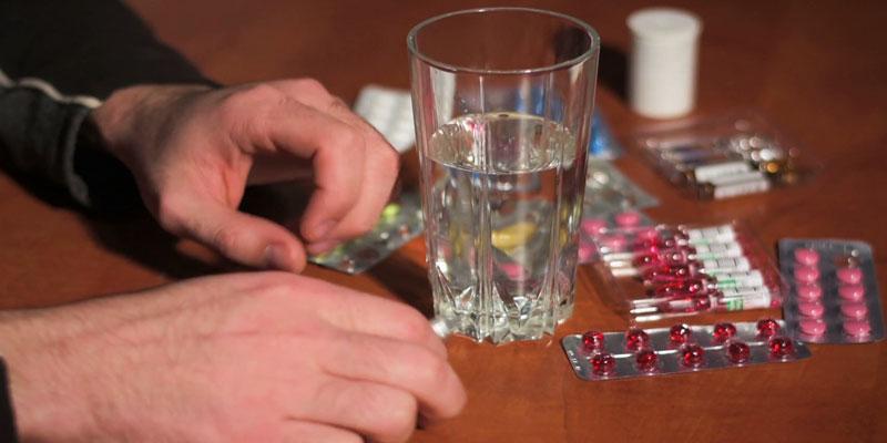 ۷ نوشیدنی ممنوع با قرص