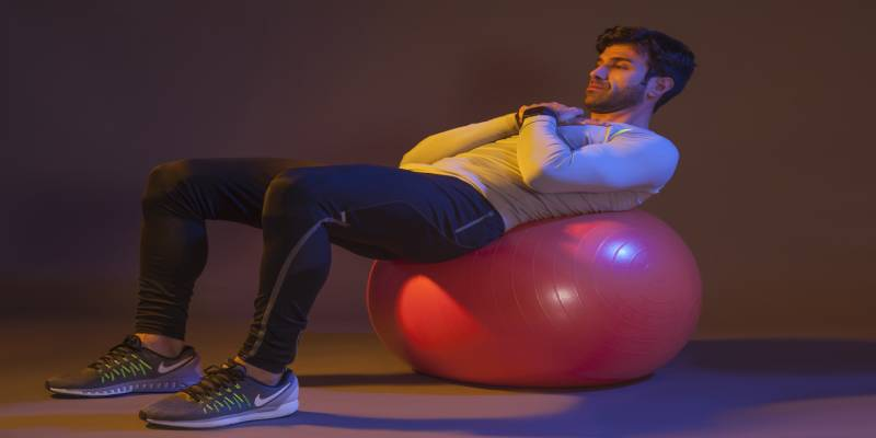 کرانچ (دراز نشست) روی توپ