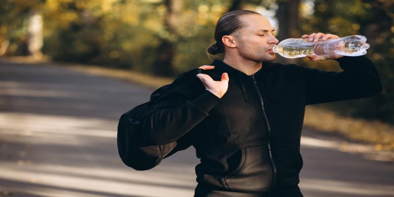 آشامیدن آب برای سرد کردن بدن