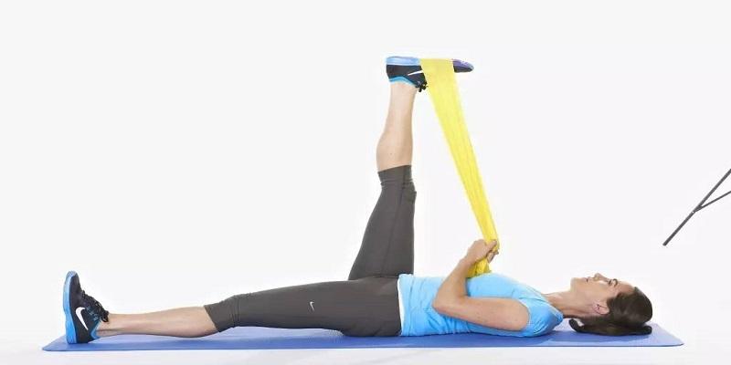 اصلاح-پاهای-پرانتزی-با-تمرینات-پیلاتس