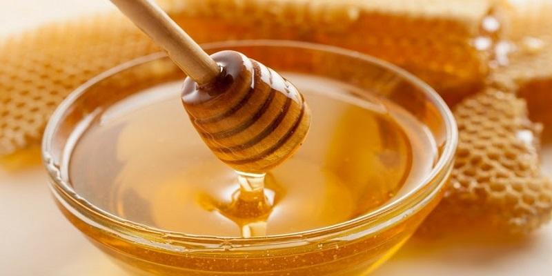 با-فارنژیت-یا-التهاب-گلو-آشنا-شوید-عسل